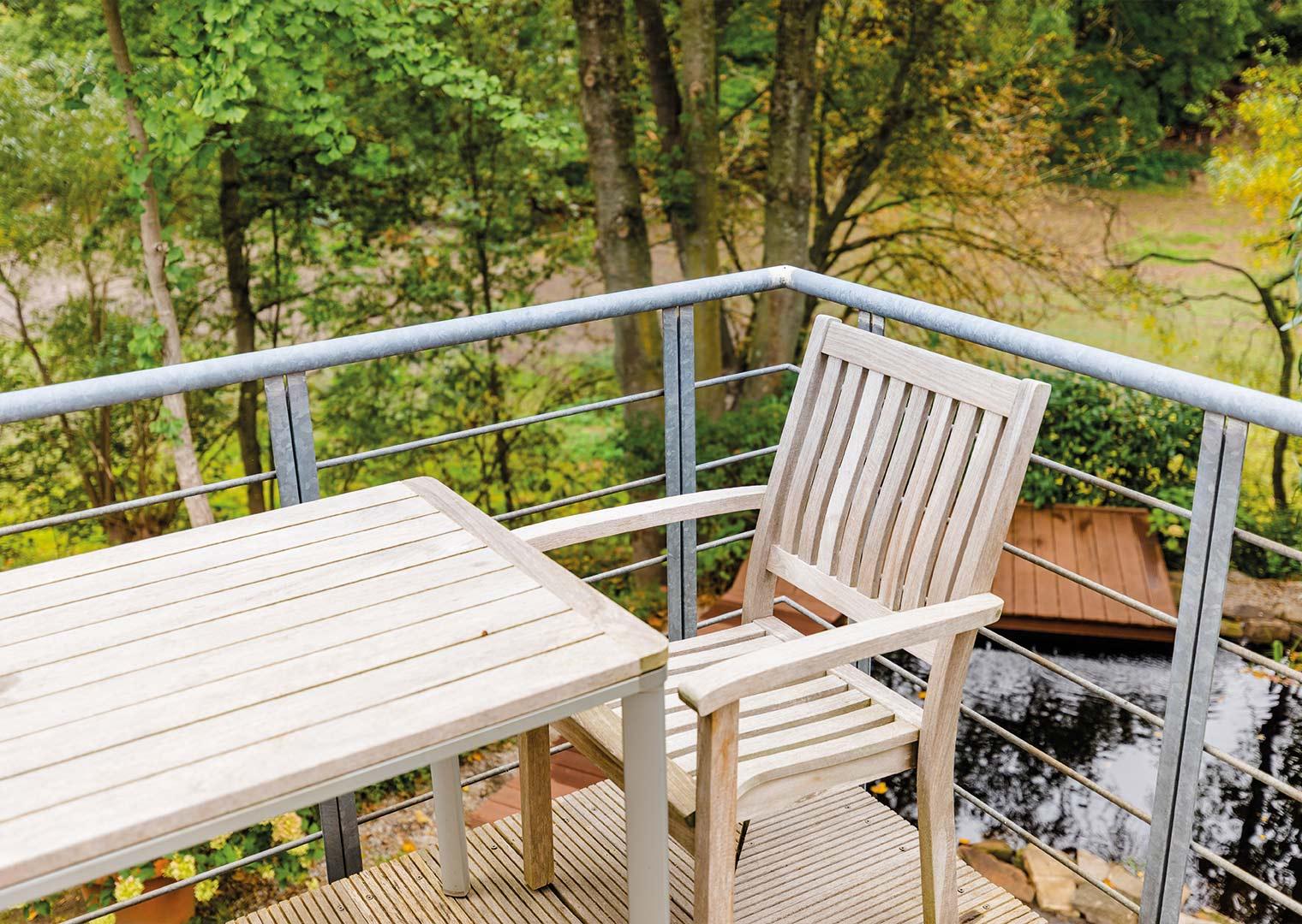 Link zur Bilddatei: menke_galabau_bochum_galeriebild_terrassen_verweilorte_balkon_holz