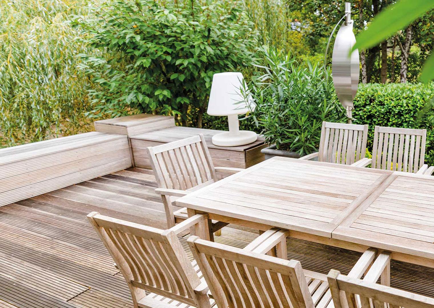 Terrasse mit Holz-Terrassendielen
